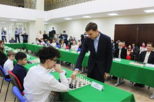 Chess Vice-Champion Sergei Karjakin held session with 20 opponents in Bashkiria
