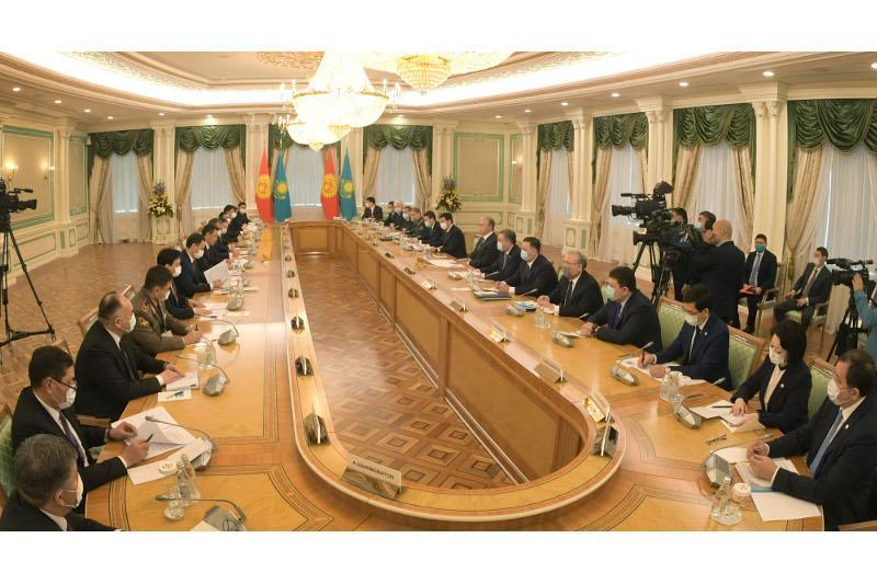 Kazakh, Kyrgyz Presidents reaffirm further cooperation at expanded meeting